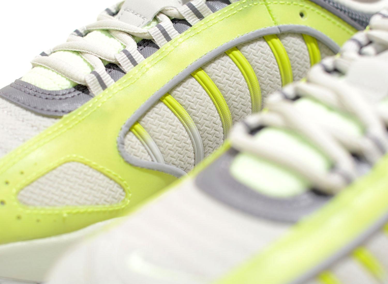 Nike Air Max Tailwind IV Volt Light Bone