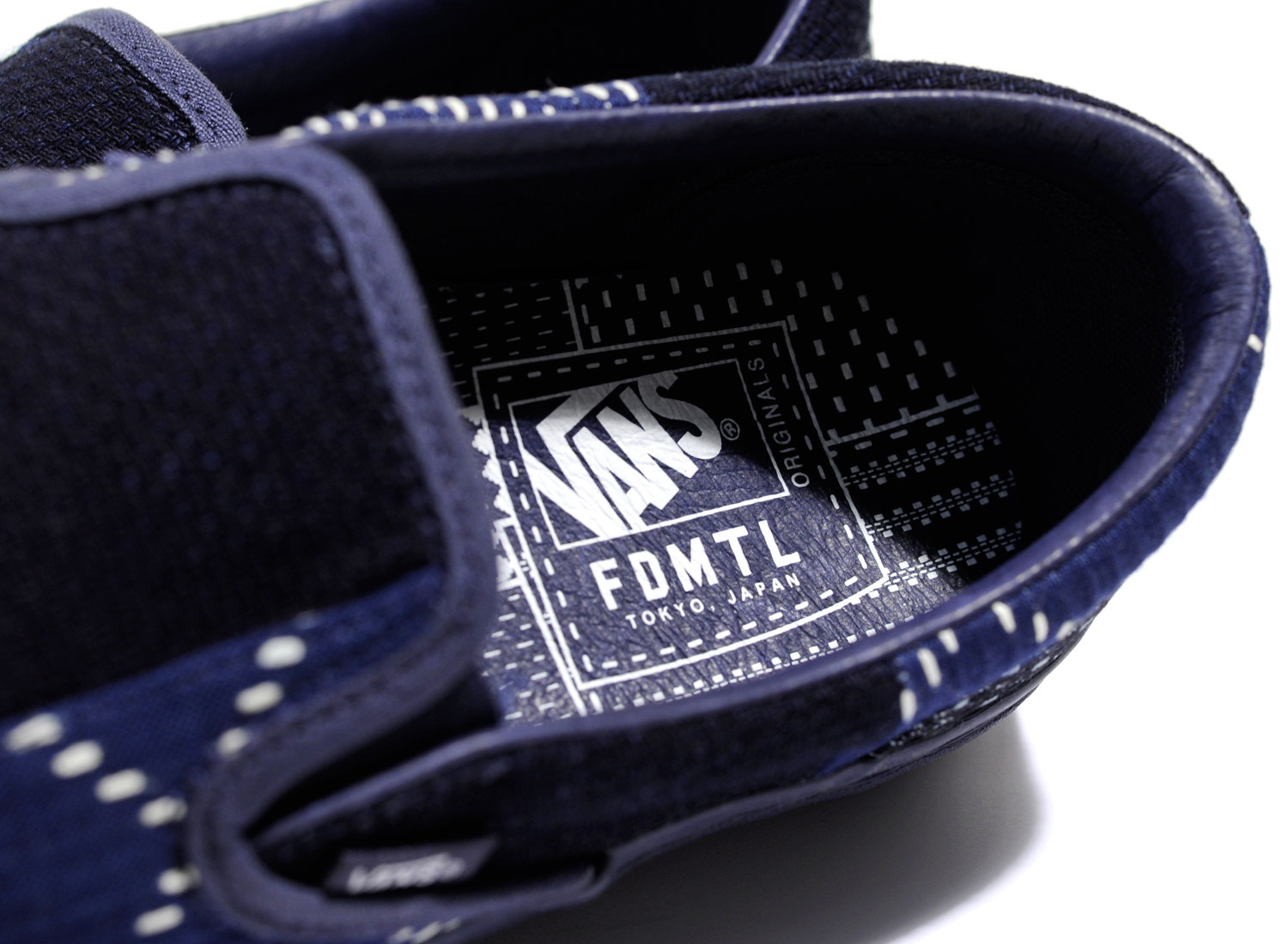 1cf4ad800962df Vans Vault x FDMTL OG Classic Slip-On Parisian Night VA32QNSJB   Soldes    Novoid Plus