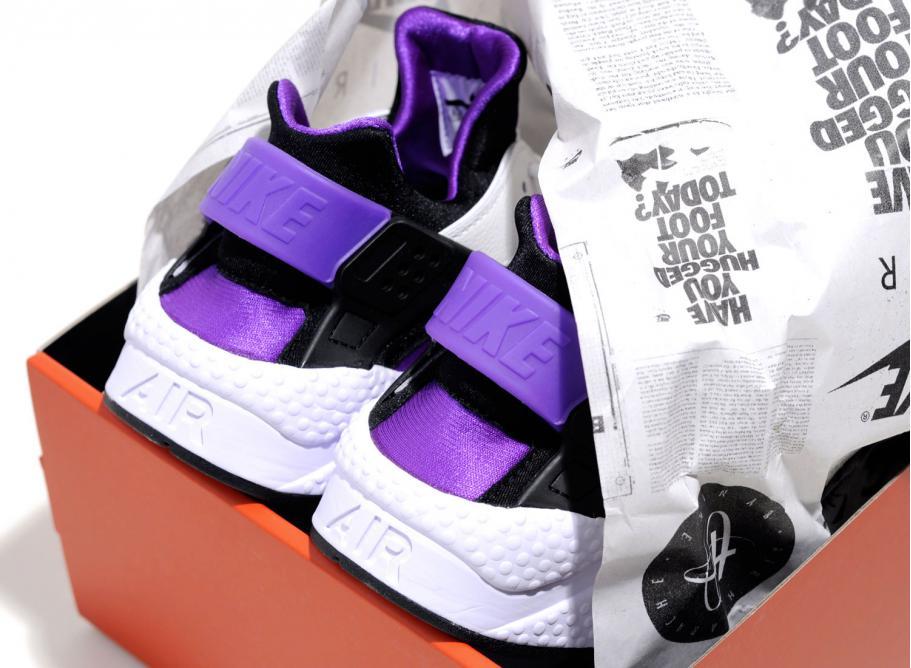sports shoes 23f88 c0380 Nike Air Huarache Run 91 QS Purple Punch