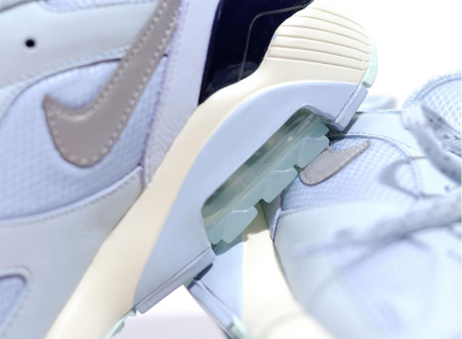 bfc0f1f8f Nike Air Max 180 Ocean Bliss   Metallic Silver AV3734-400   Soldes ...