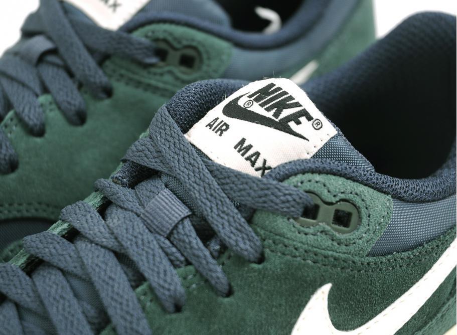 82c49baed1 ... NIKE AIR MAX 1 ESSENTIAL PRO GREEN SAIL . ...
