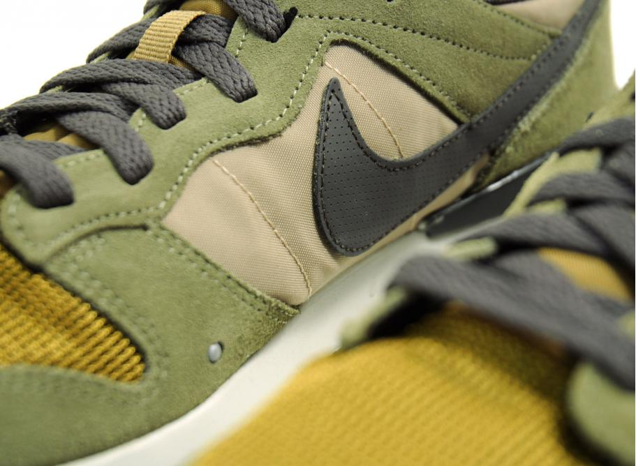 separation shoes 0c752 aed85 NIKE ARCHIVE 83 M MEDIUM OLIVE   DEEP PEWTER