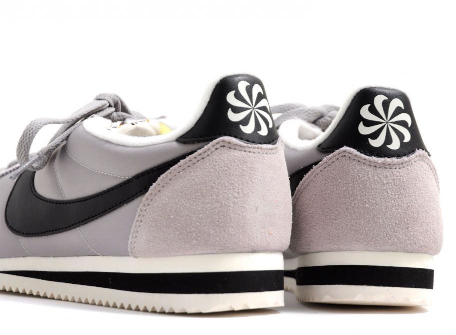 size 40 4d842 bb469 Nike Classic Cortez Nylon Matte Silver / Black