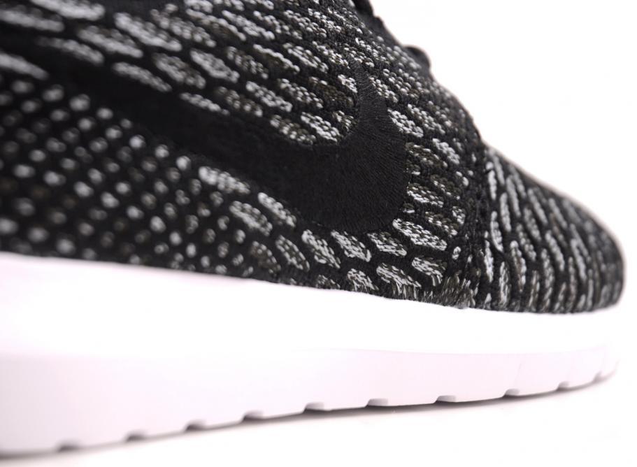 d3e5584af18 Nike Flyknit Rosherun Black   Army Black   Soldes   Novoid Plus