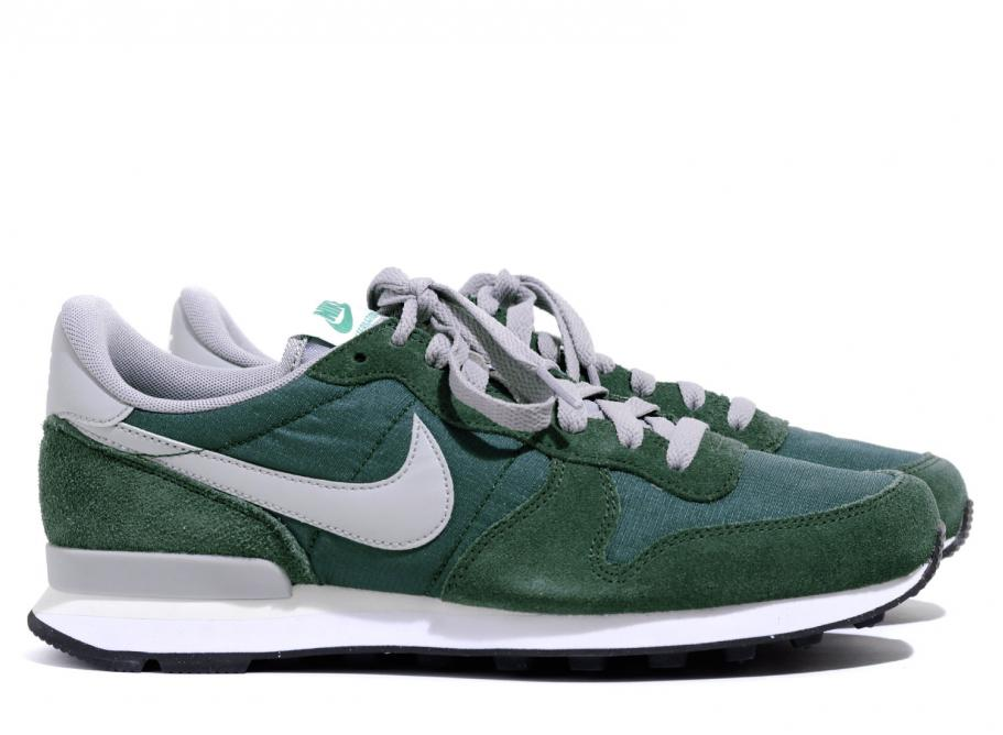 NIKE INTERNATIONALIST GORGE GREEN