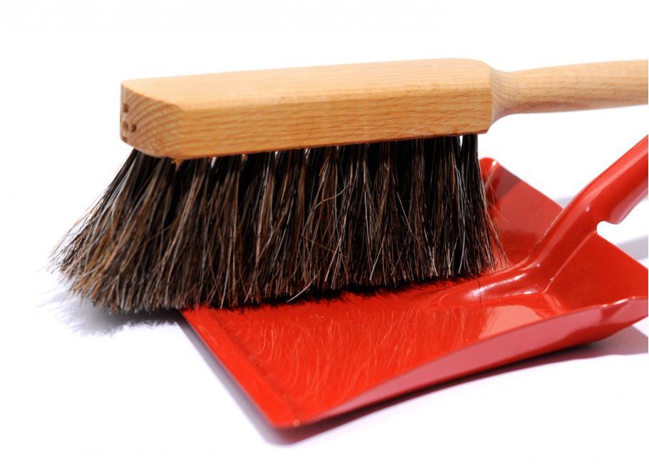 redecker pelle et balayette rouge soldes novoid plus. Black Bedroom Furniture Sets. Home Design Ideas