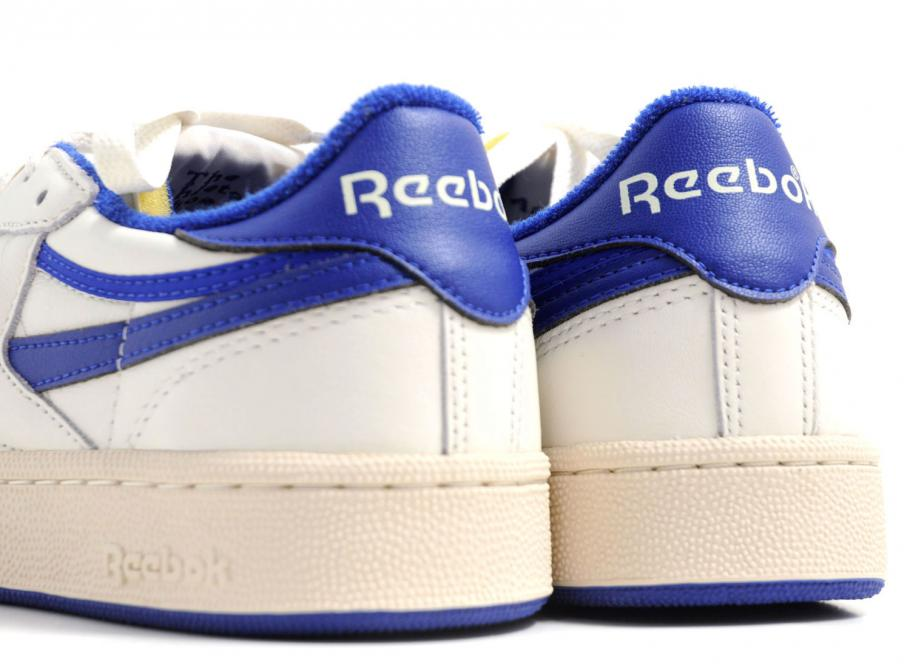58b2d3bff4cdb5 Reebok Revenge Plus Vintage Chalk   Royal Blue V67896   Soldes ...