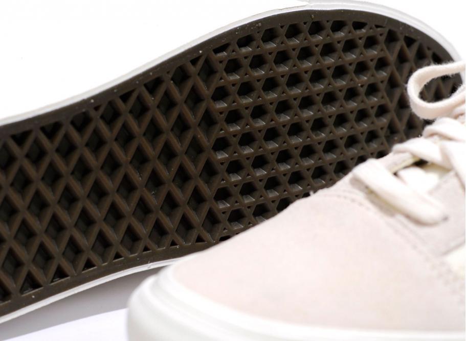 c80b3e5bd2c7c4 Vans Old Skool LX Suede Canvas Marshmallow   Soldes   Novoid Plus