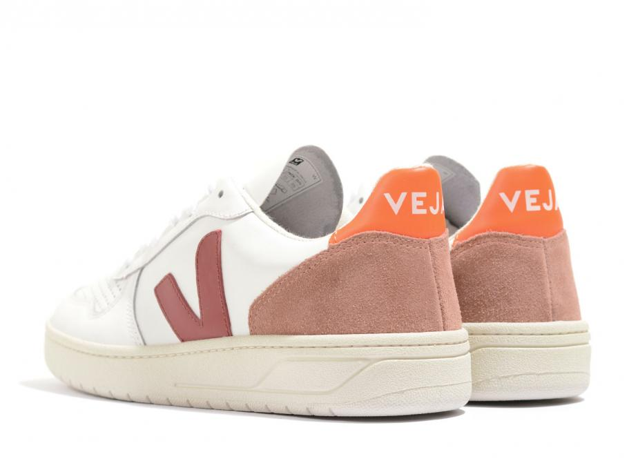 Veja V10 Leather Extra White / Marsala