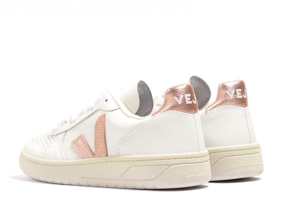 Veja V10 Leather Extra White / Nacre
